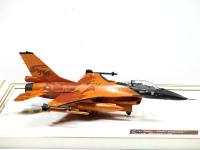 F-16 M1u 1:72